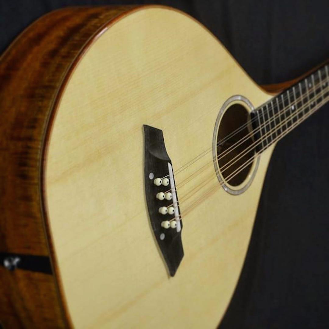 Thomas Buchanan Luthier
